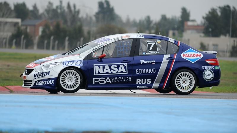Un renovado Team Peugeot Total
