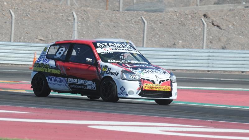 Saturni Racing alquila Renault Clio