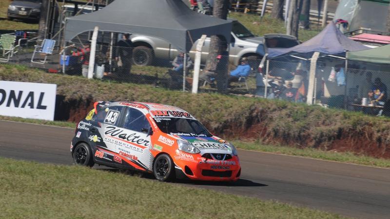 Primera pole position de Walter López