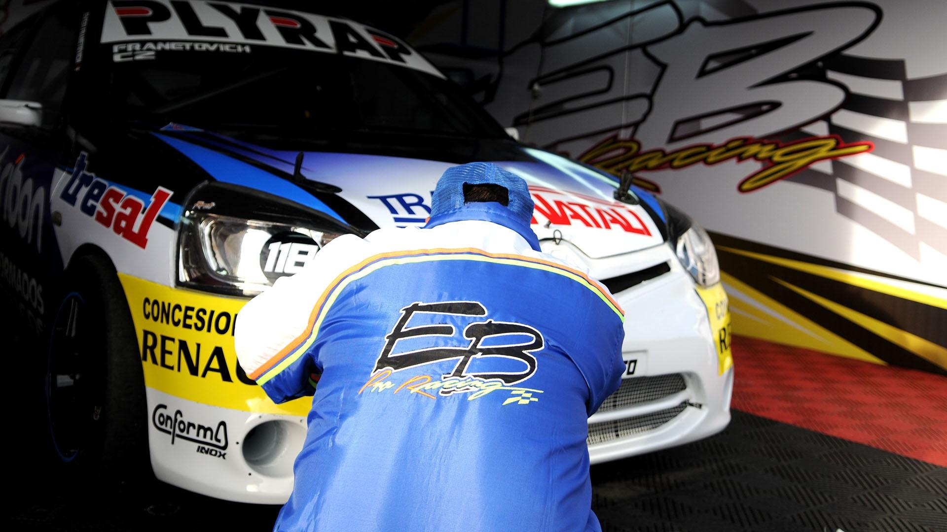 Proyecciones de EMB Pro Racing