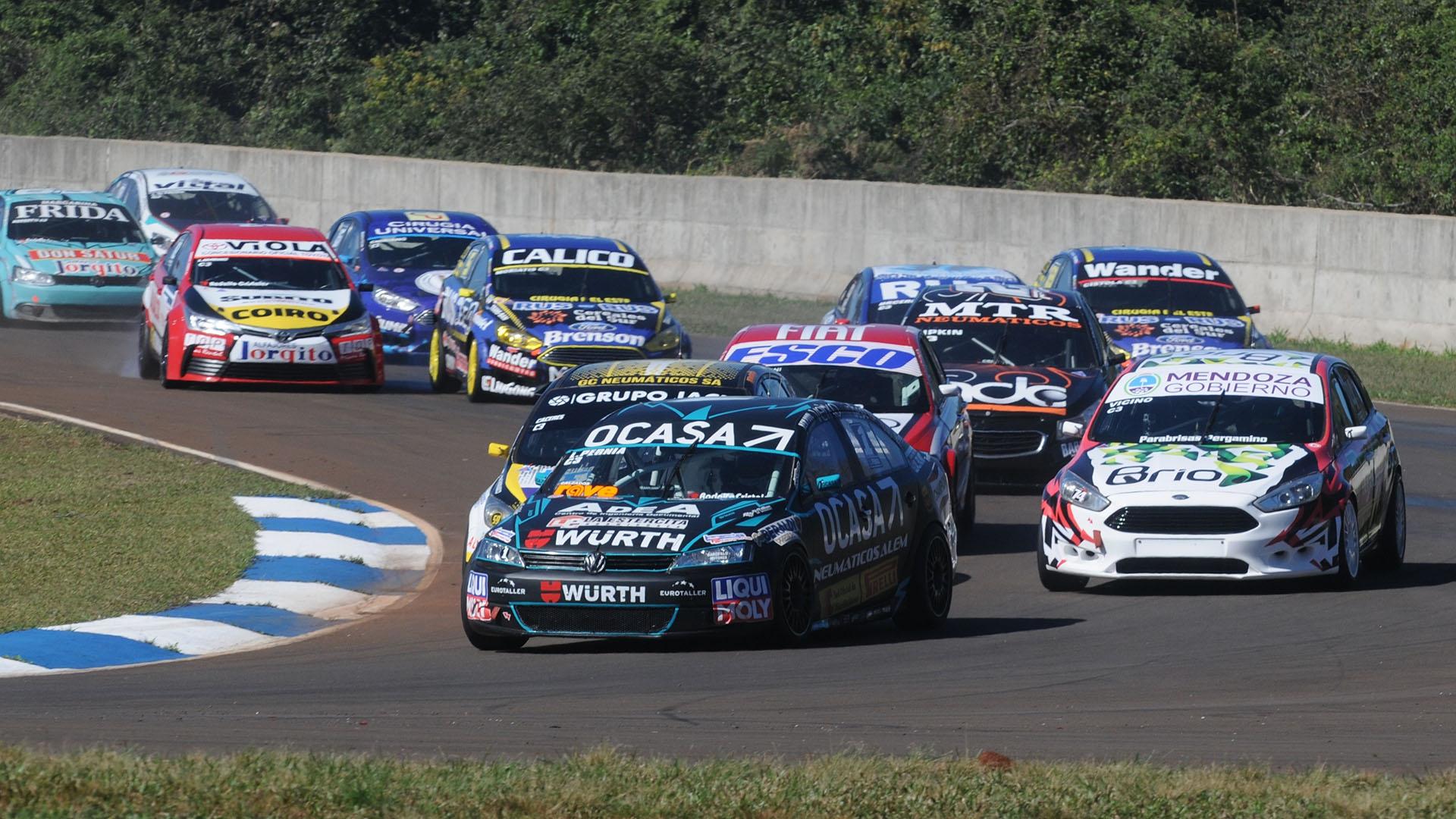 Leonel Pernia, con velocidad