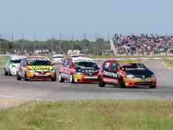 Gabriel Fern�ndez encabeza un cuarteto de Renault Clio que completan Juan Mart�n Eluchans, Mariano Pern�a y Marcos Fern�ndez